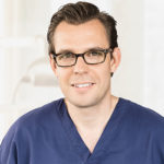 ZKE-153-1_Dr_Stefan_Günther_Oralchirurg_500px